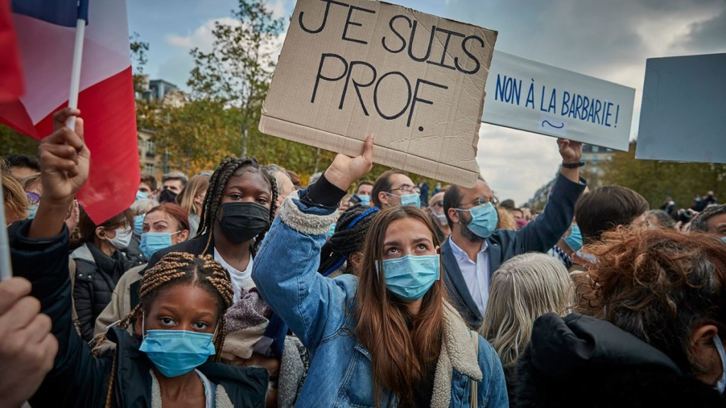 https---cdn.cnn.com-cnnnext-dam-assets-201018112723-france-protests-teacher-beheaded